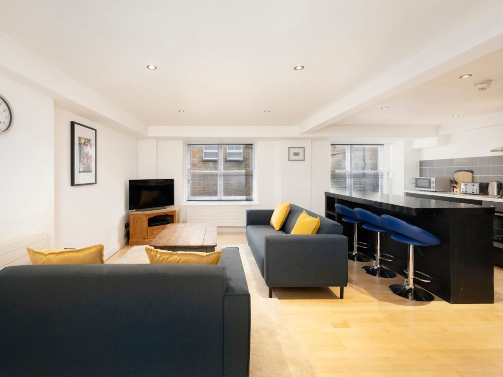 Trafalgar House Apartment One